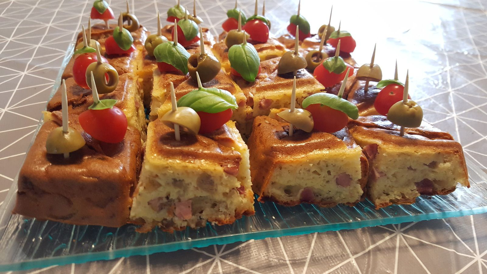 Cake salé jambon fromage, olive au Thermomix