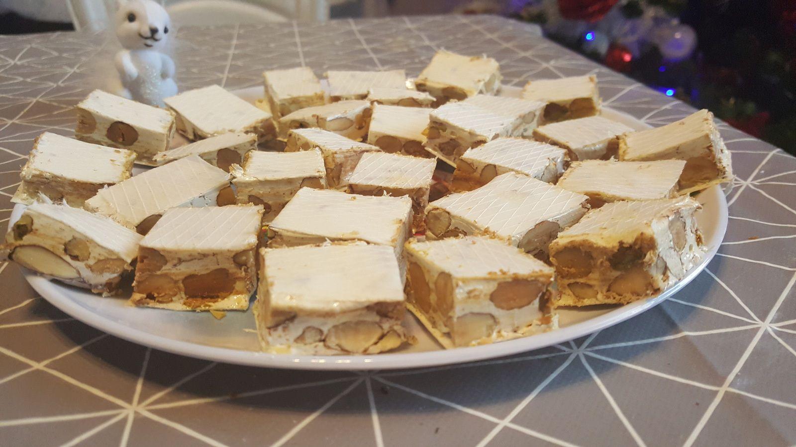 Nougat blanc, amandes, pistaches et noisettes au Thermomix
