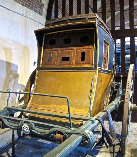 Chaise de poste. XVIIIème siècle. À i ou 2 chevaux.