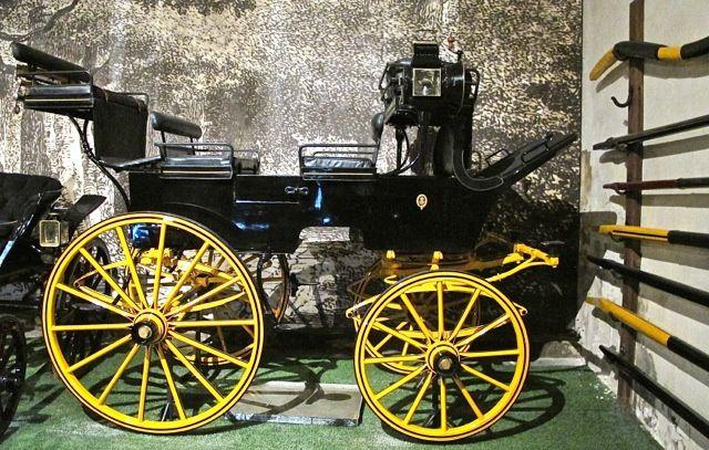 Break de chasse Belvalette frères. Paris. À 2 ou 4 chevaux. Mené par son propriétaire ou par un cocher.