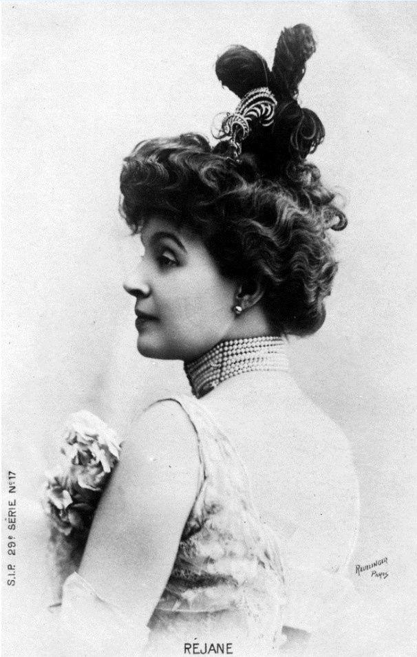 Portrait de Réjane. Photographie du Studio Reutlinger.