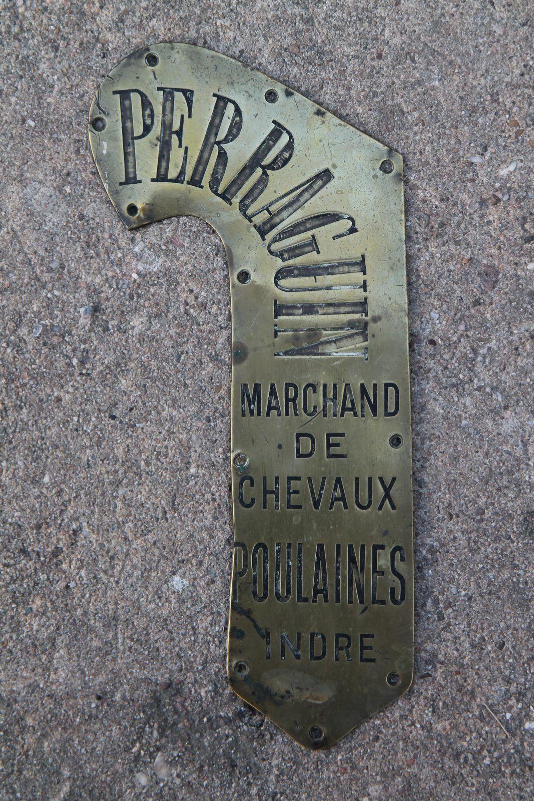 Plaque d'attelle droite provenant d'un collier ayant appartenu à Abel Perraguin.