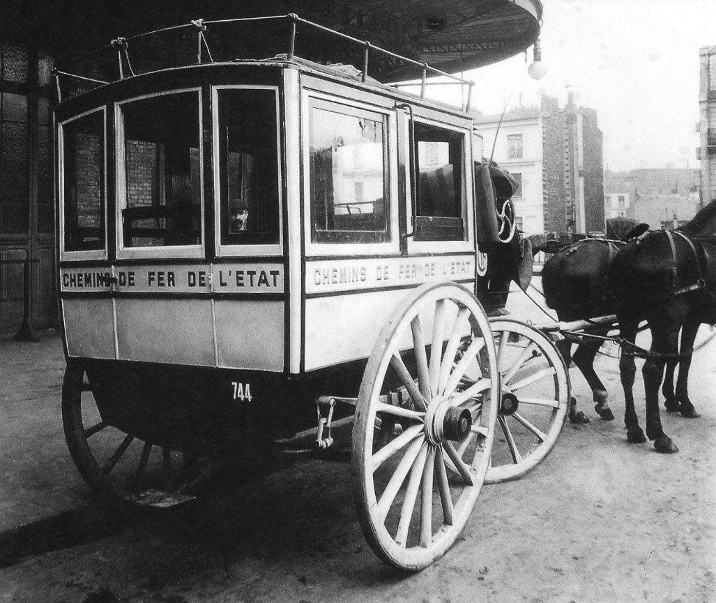 """Omnibus privé 4: Omnibus de type  """"classique"""""""