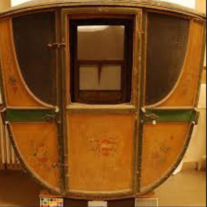 chaise muletière conservée à la mairie de Cahors