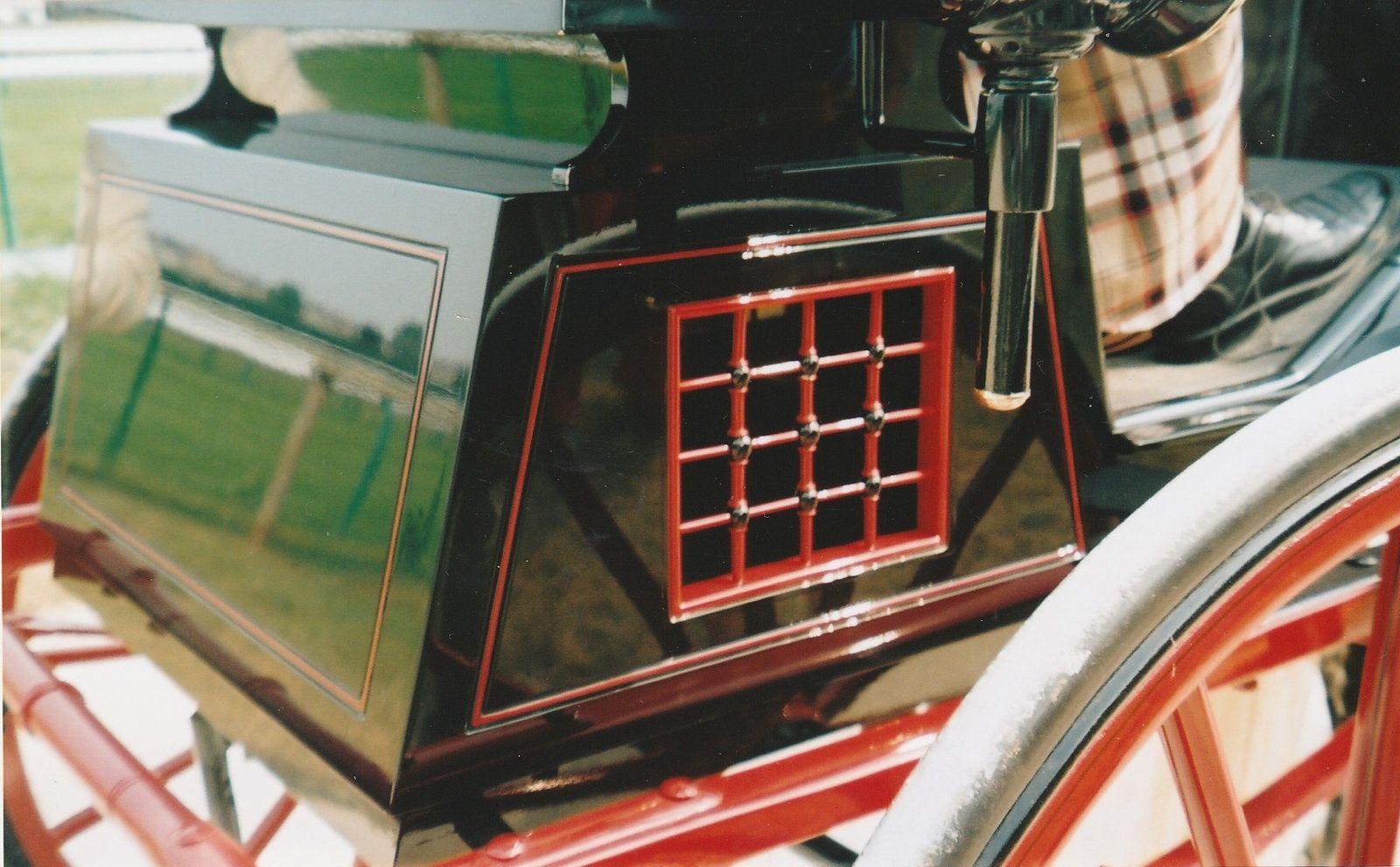 Croisillons. Dog-cart à 2 roues, par Vanvooren à Paris (France, collection privée)