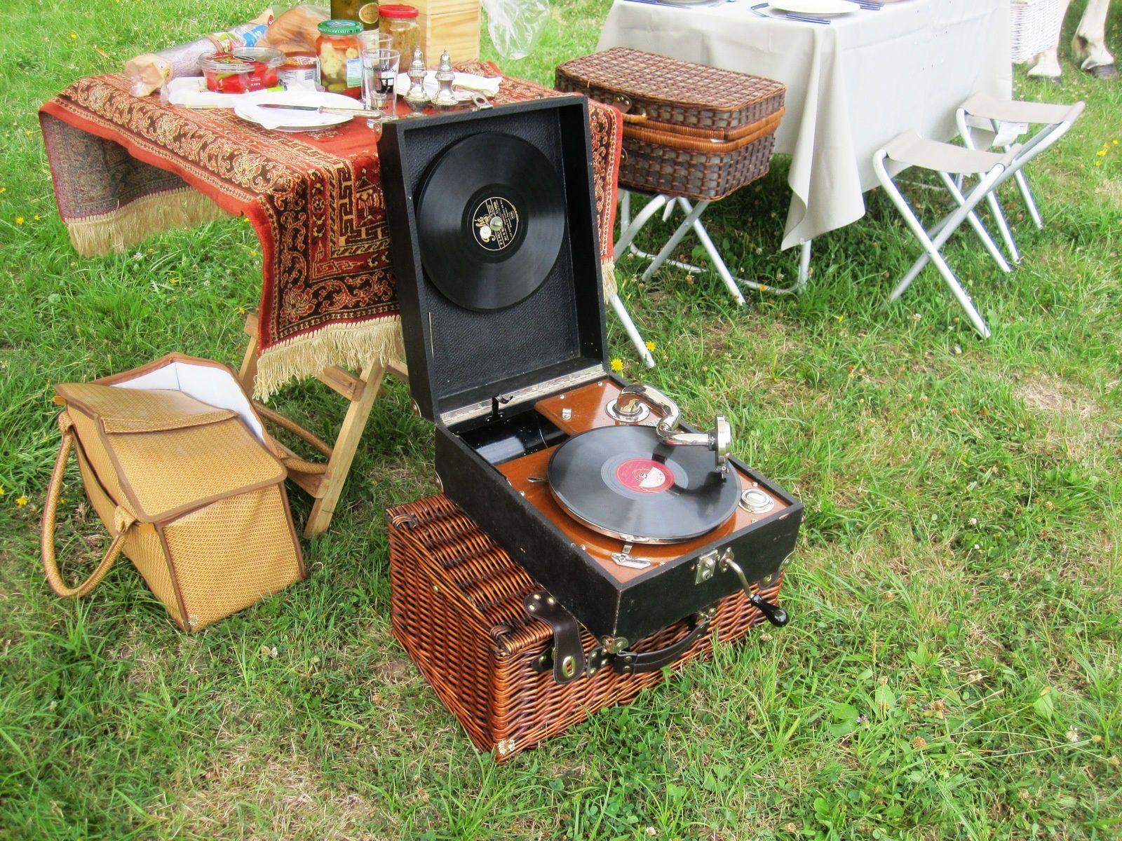 Un antique gramophone… en action