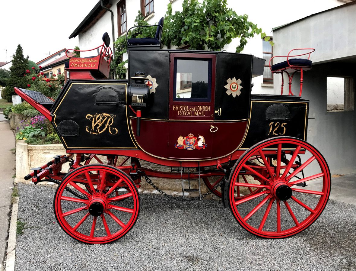 One of the four existing genuine Royal Mail Coach, built by Vidler, Mail Coach Factory (MCF) in 1832. (Carriage Museum Siegward Tesch in Wiehl, Germany)