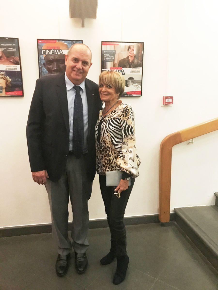 Yvette Cellario avec le Directeur de la Cie des Autobus de Monaco,