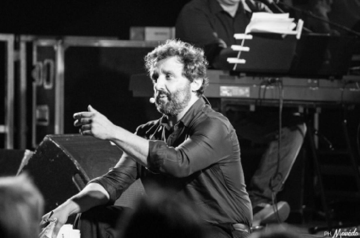 """ARISTON SANREMO:FLAVIO INSINNA e La Sua Piccola Orchestra in  """" LA MACCHINA DELLA FELICITA'"""""""