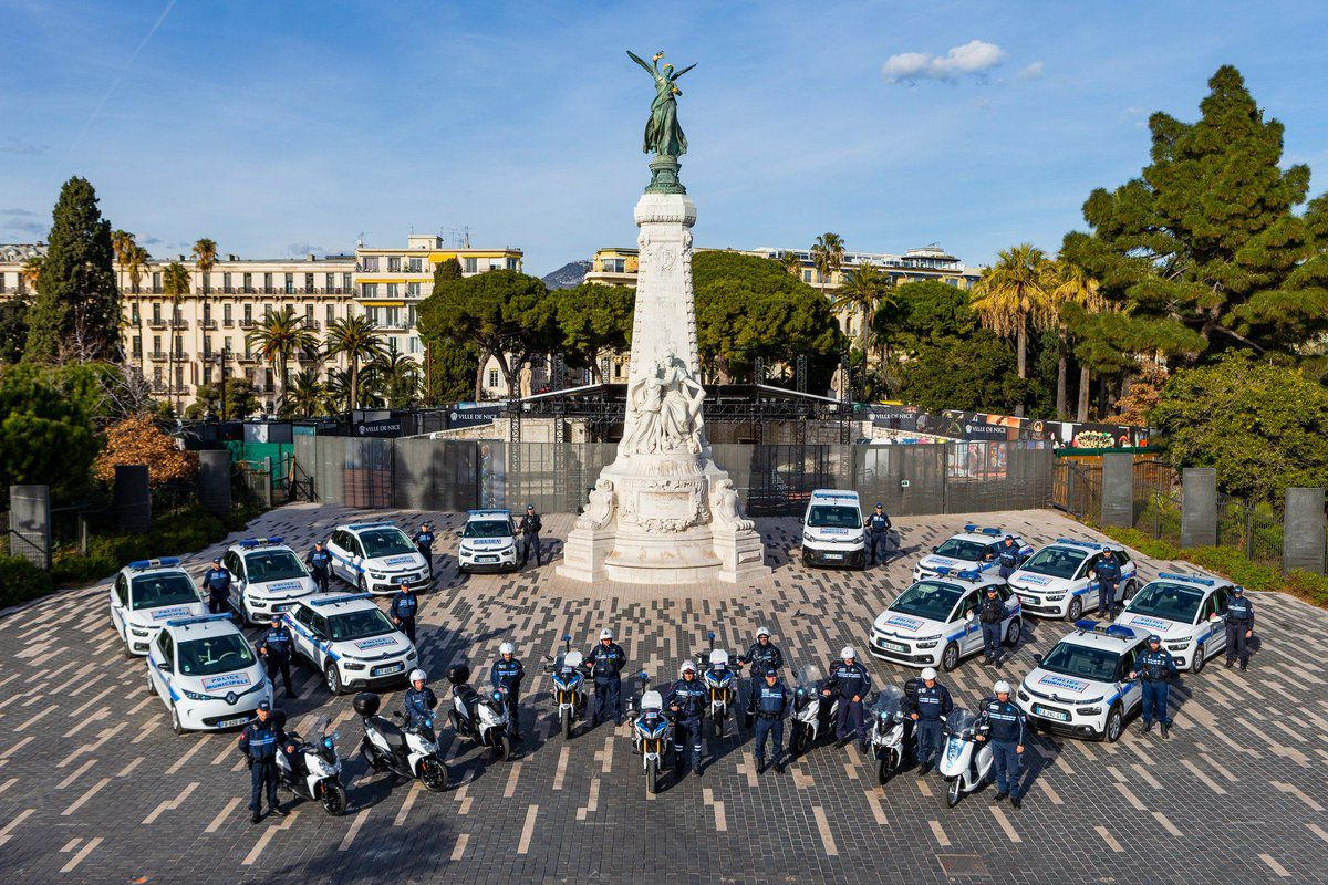 Cérémonie du 160e anniversaire de l'Union du Comté de Nice à la France     Suivie de la grande messe solennelle en la Cathédrale Sainte-Réparate  & du concert de l'Harmonie Municipale