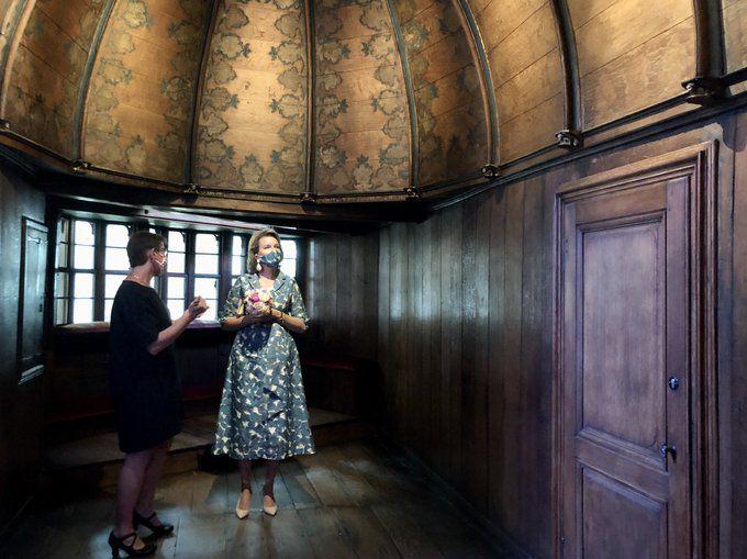 Visita di  Sua maestà la regina Mathilde del Belgio a Bruges al Museo Groeninge