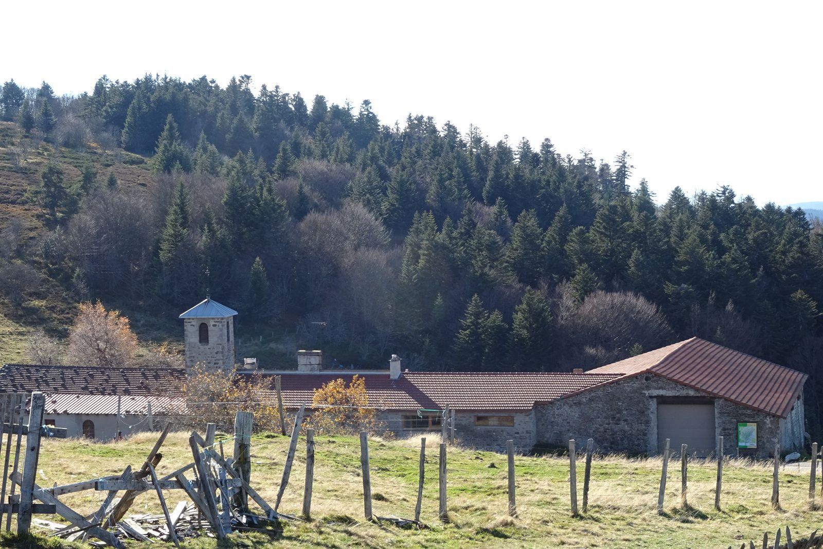 La Jasserie. Le retour se fait par la Jasserie, Le Bessat et Rochetaillée. C'est un parcours exigeant mais magnifique.