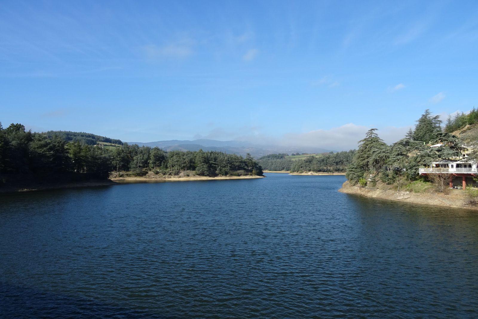 Le barrage du Ternay, je déjeune avec Daniel qui m'accompagne ensuite sur quelques kilomètres.
