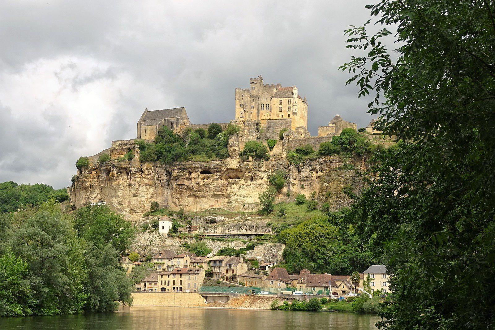Le château de Beynac.