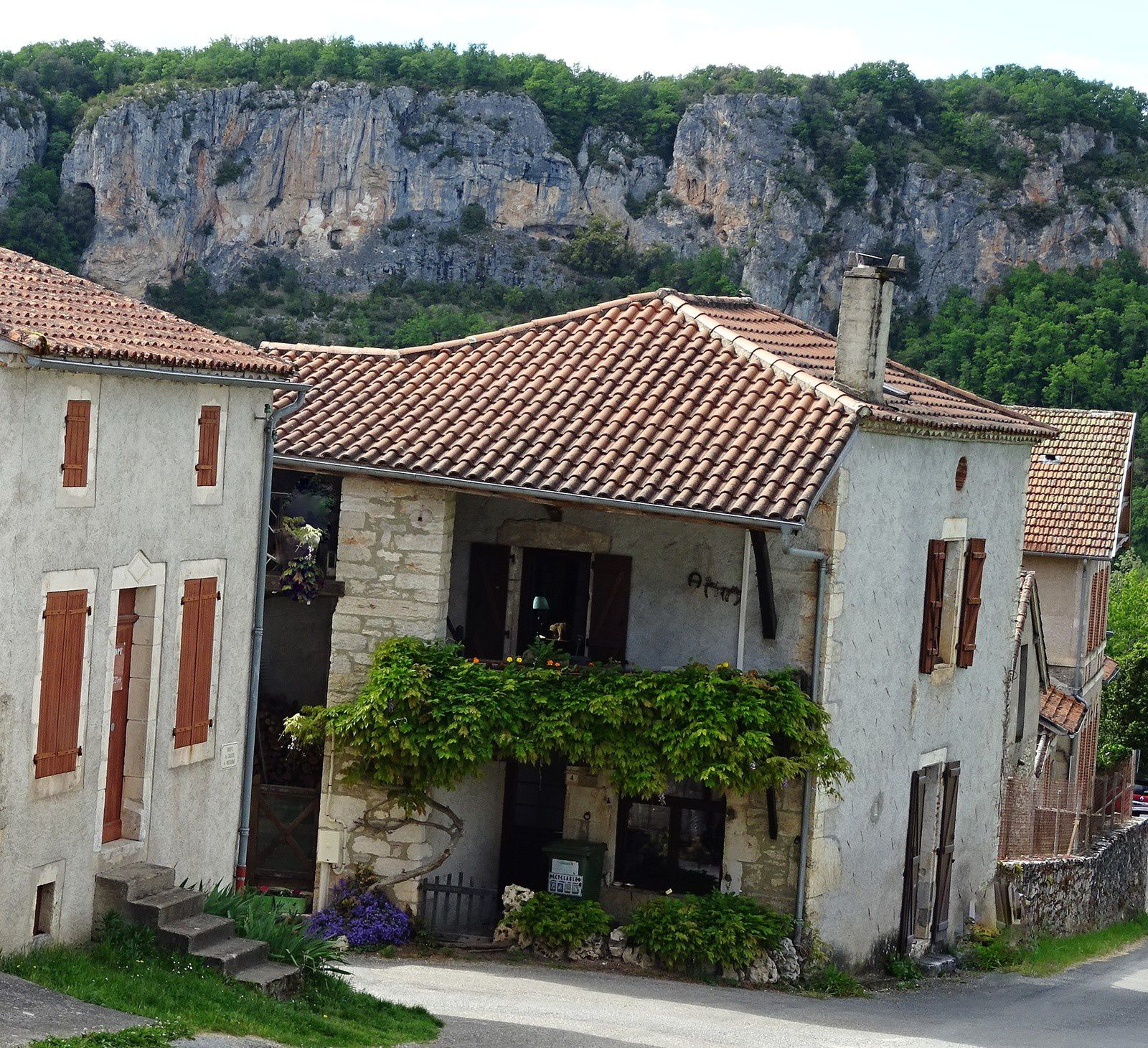 C'est un lieu dit sur la commune d'Arcambal. Nous logeons au gîte chez Anne-Marie et Jacques, j'en reparlerai.