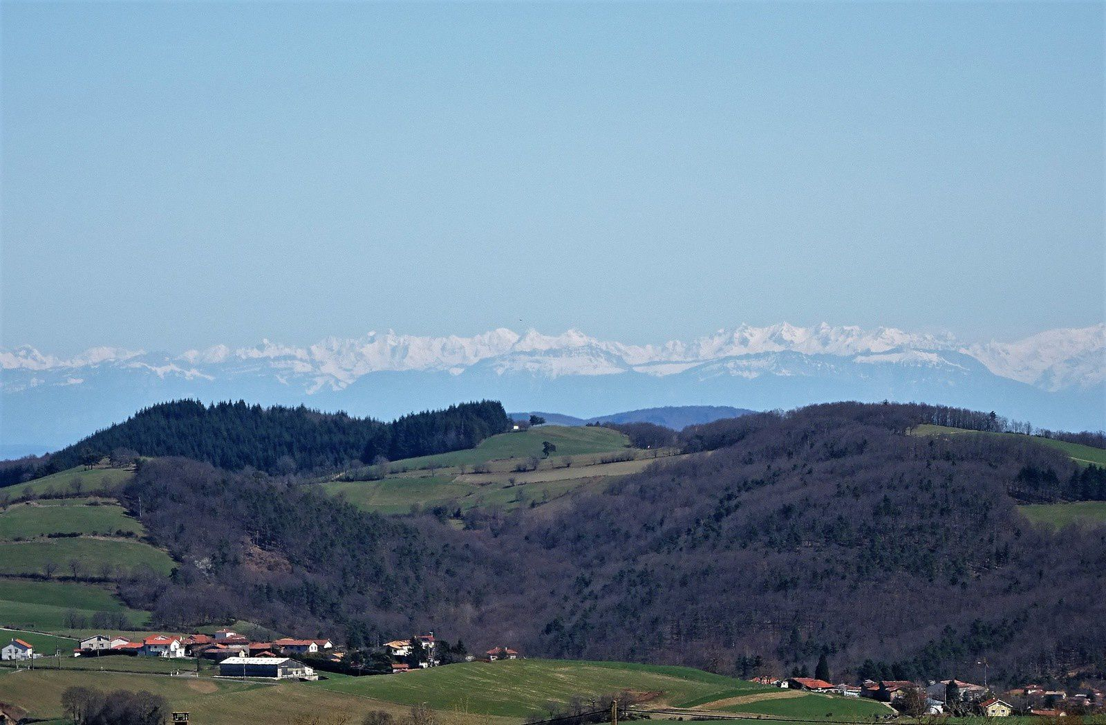 Un tour du côté de la Pierre de la Bauche. C'est dégagé, on a une vue splendide sur les Alpes.