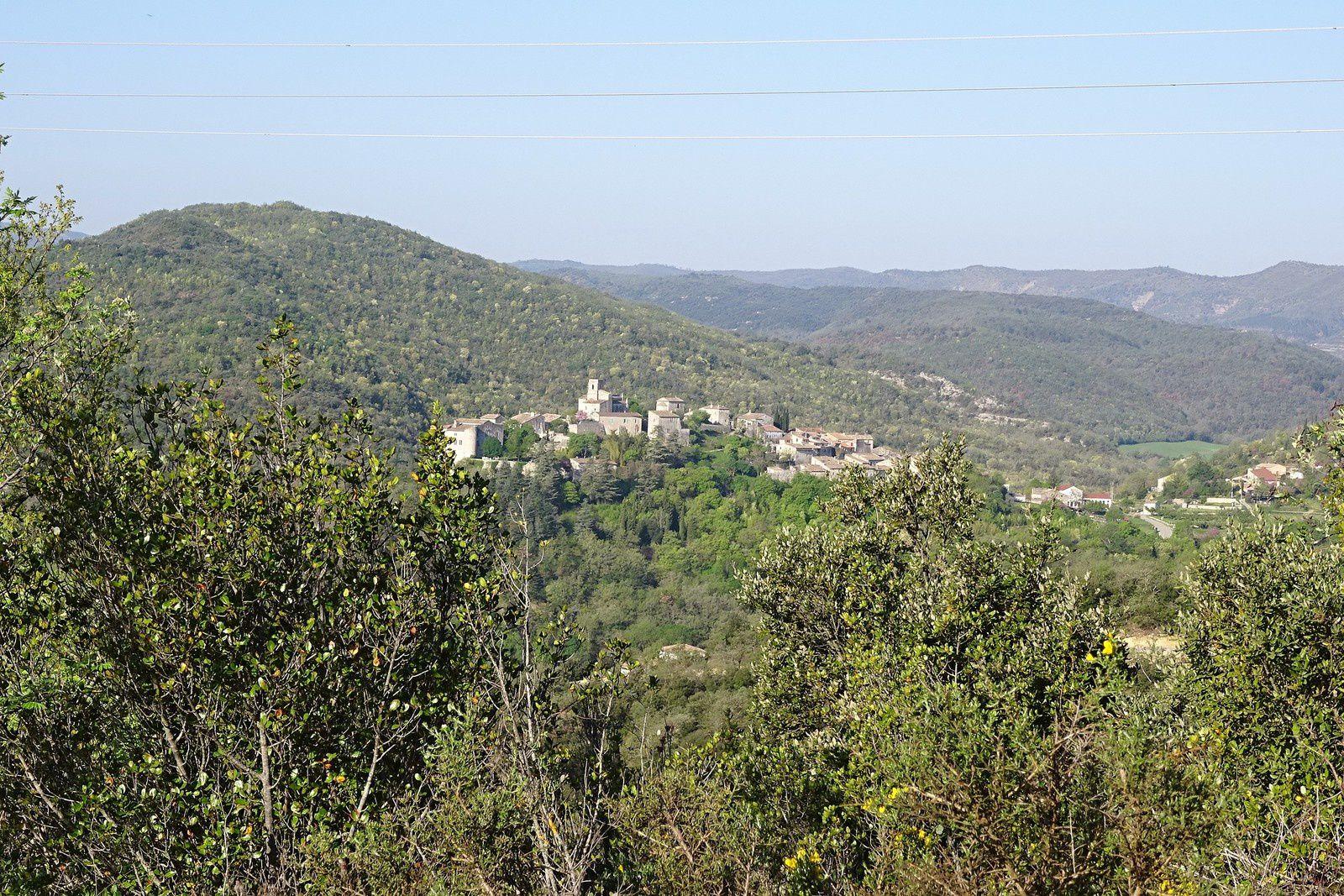 Le samedi nous sommes au Teil en Ardèche, la randonnée est organisée par le club local.