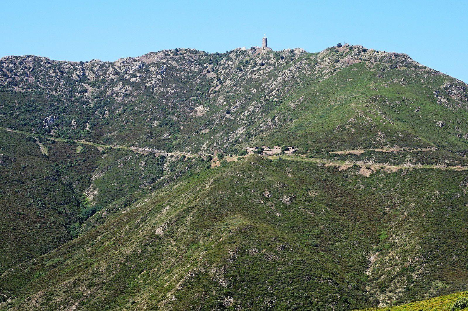 La tour Madaloc côté pile.