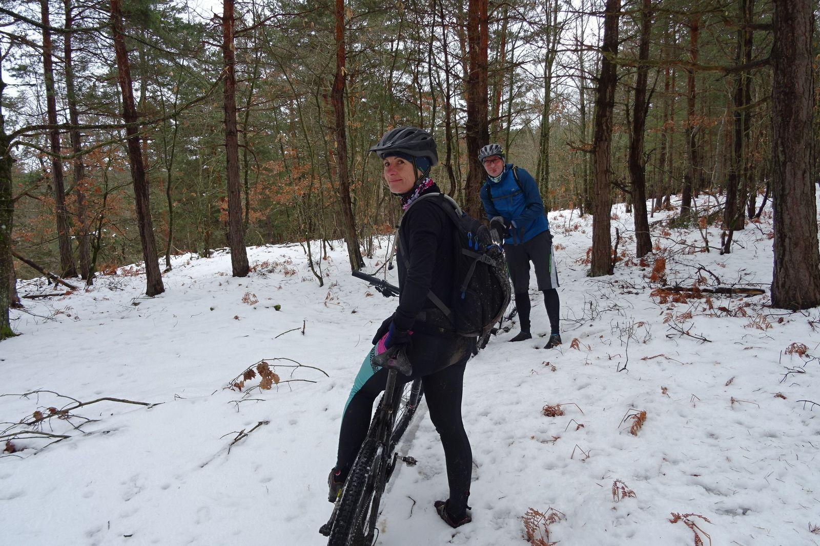 2019, janvier et février passent lentement. Raphaël nous rend visite, nous roulons dans la neige.