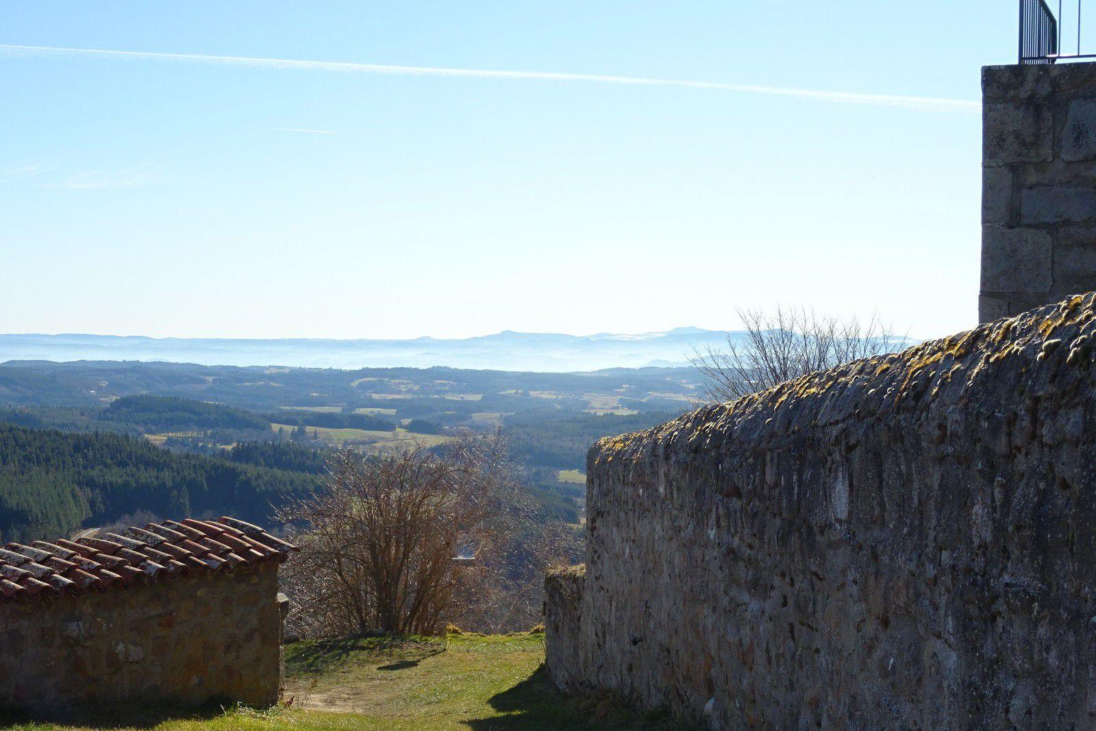 Vue depuis Montarcher, village classé.