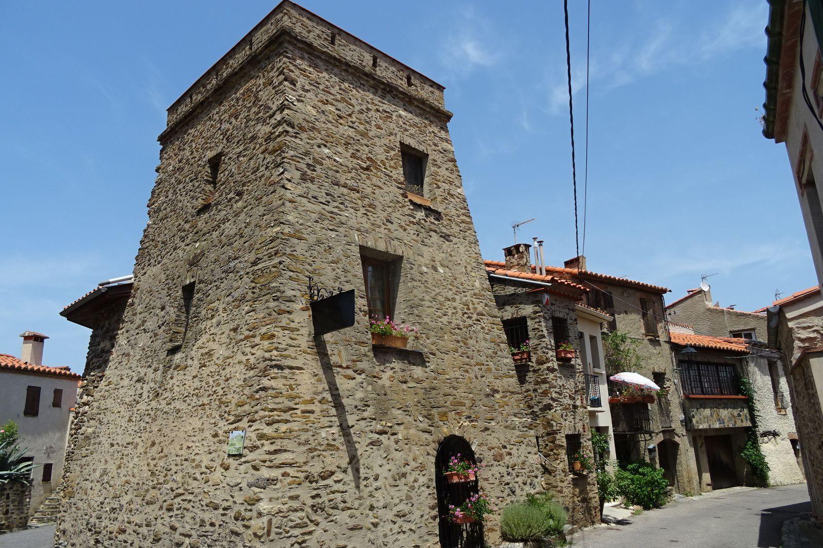Le village de Camélas.