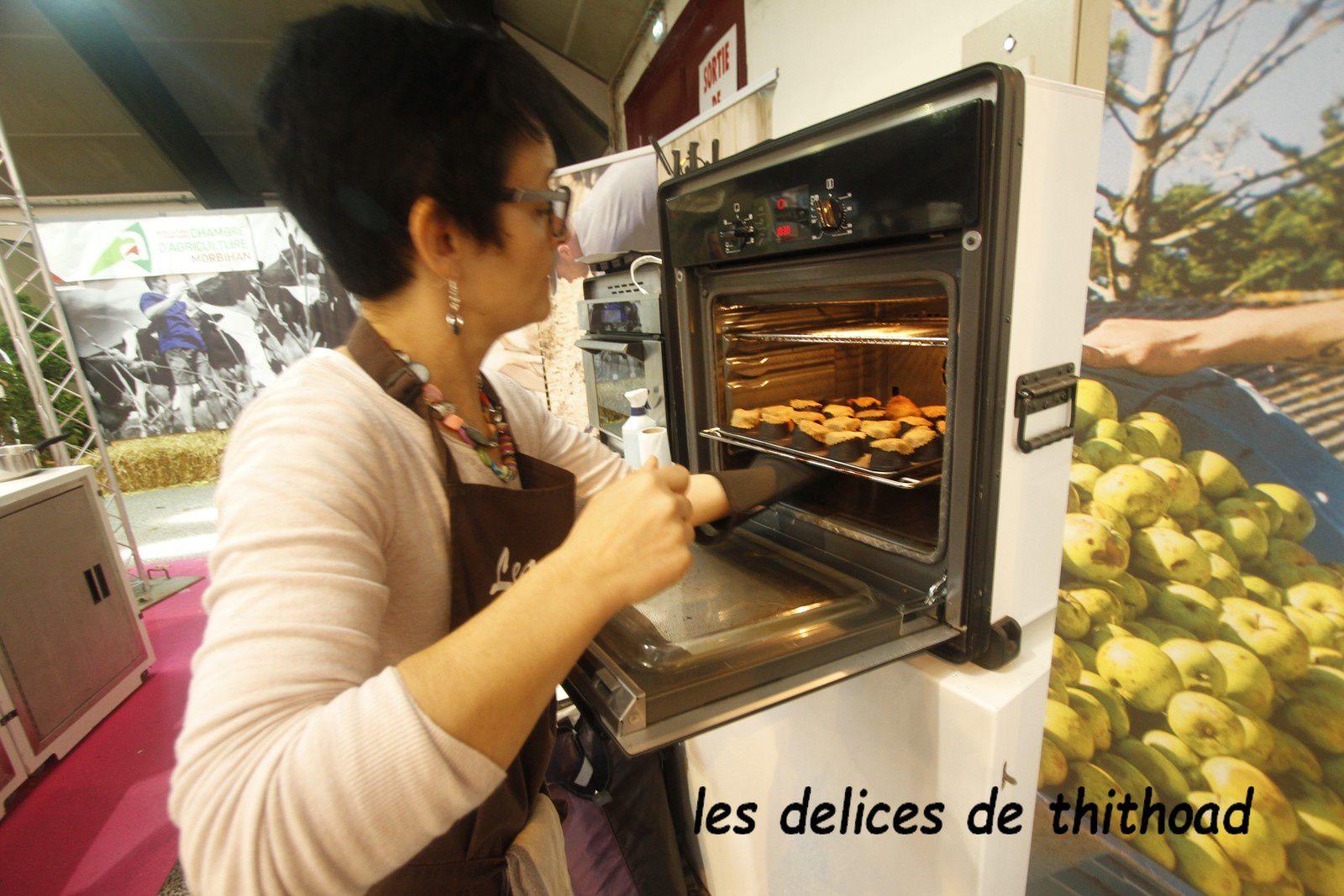 TARTELETTES DE BLE NOIR,FROMAGE FRAIS CIBOULETTE ECHALOTES(SALON OHH LA VACHE)
