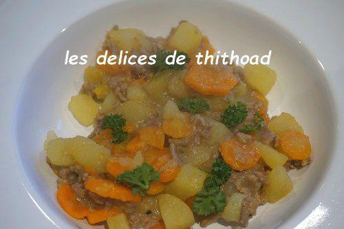 Ragoût de pommes de terre, carottes et boeuf