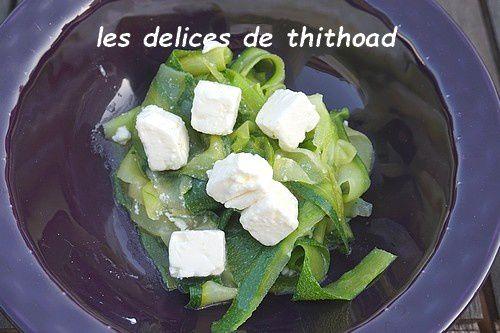 Salade croquante de courgettes et feta