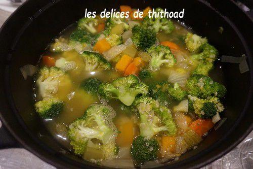 soupe de quinoa et légumes