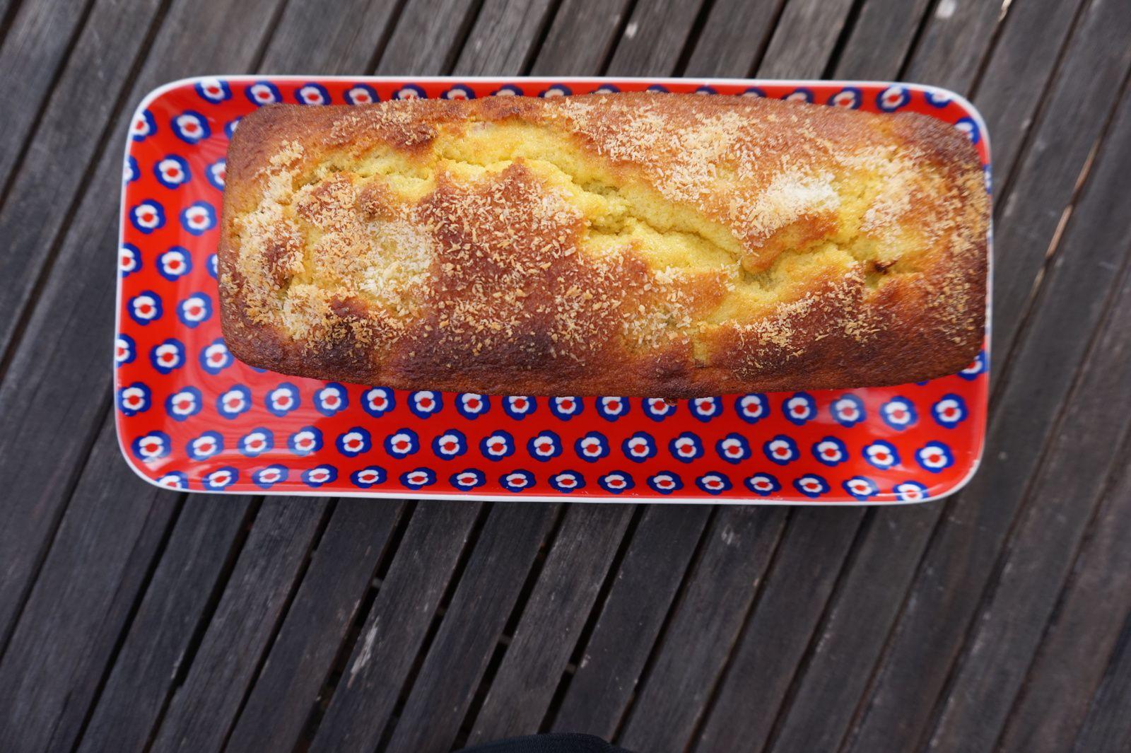Cake à la rhubarbe et coco