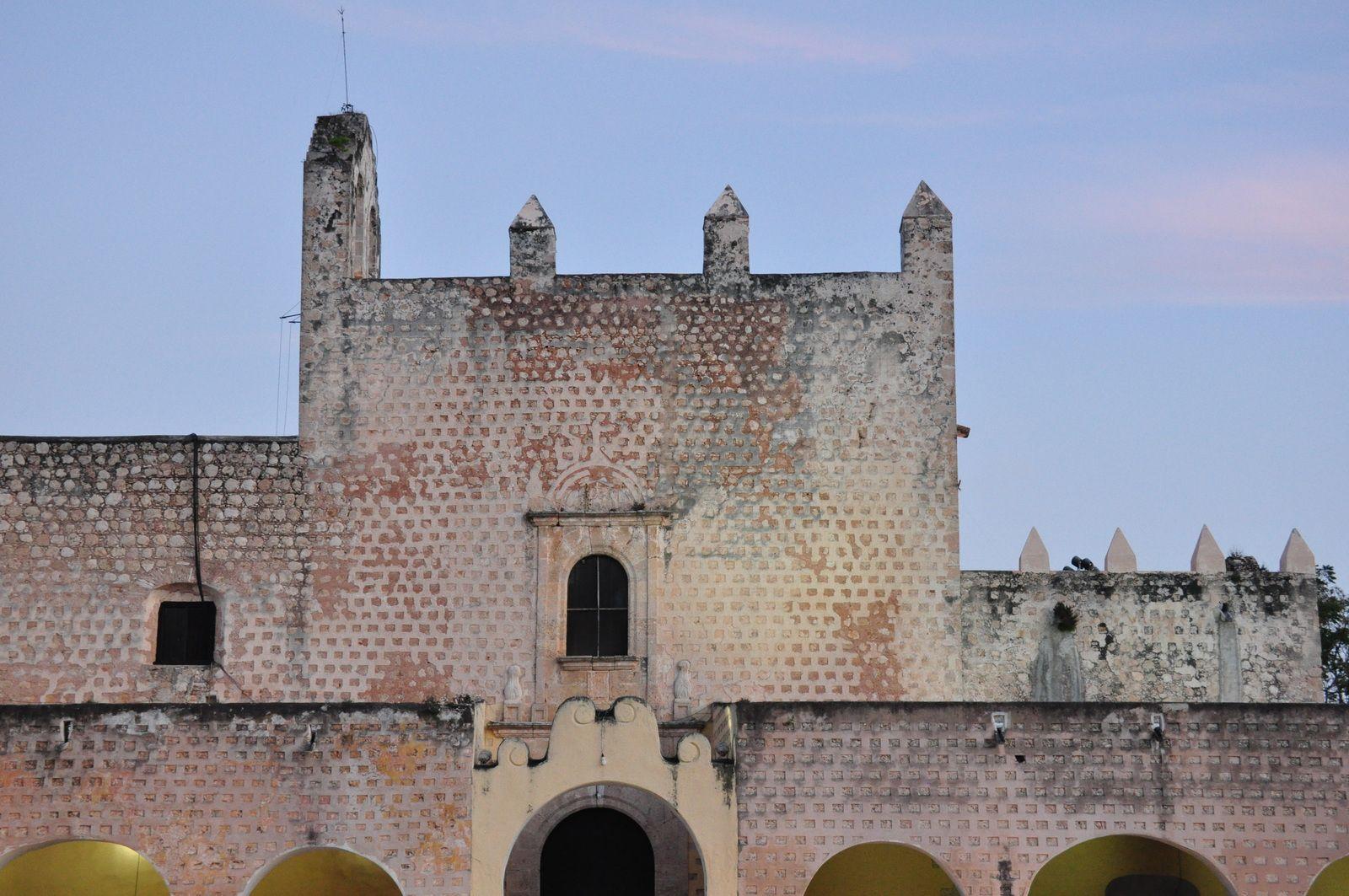 Le couvent de San Bernardino, un des premiers construits dans le pays en 1522