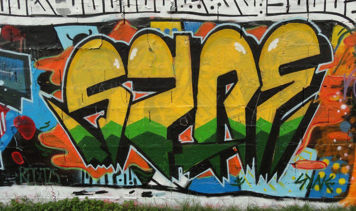 Street Art : Graffitis & Fresques Murales 72181 Le Mans
