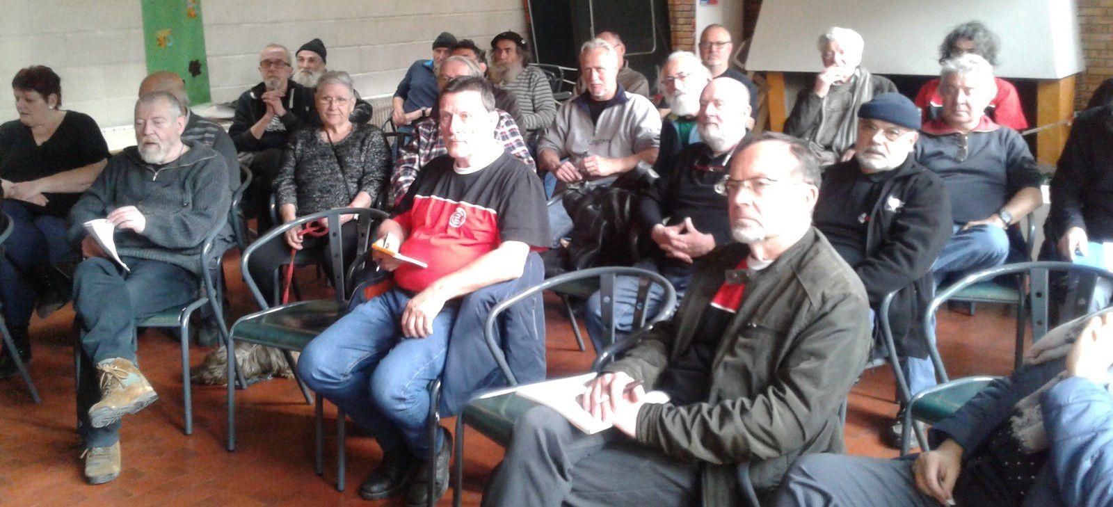 42 membres présents pour 54 votants (avec les procurations).