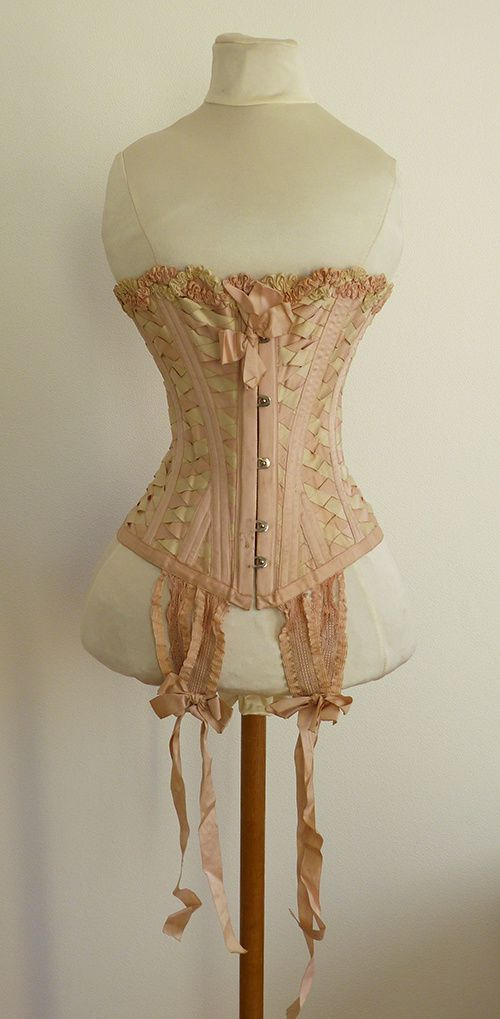 Corset, vers 1900. Sans griffe. Collection Le Paon de Soie.