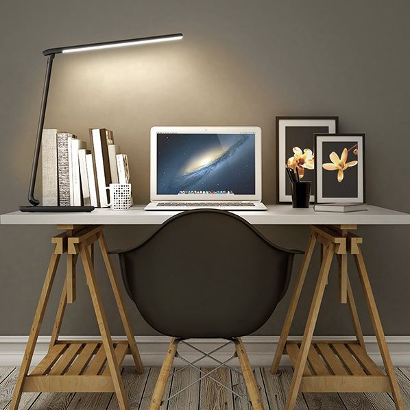 optez pour un clairage led de votre bureau bernieshoot blogueur chroniqueur passionn. Black Bedroom Furniture Sets. Home Design Ideas