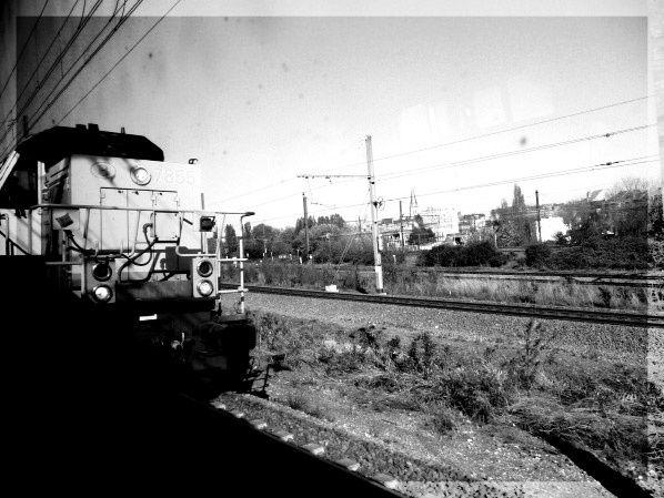 ^photo noir et blanc train marchandise à bruxelles en belgique