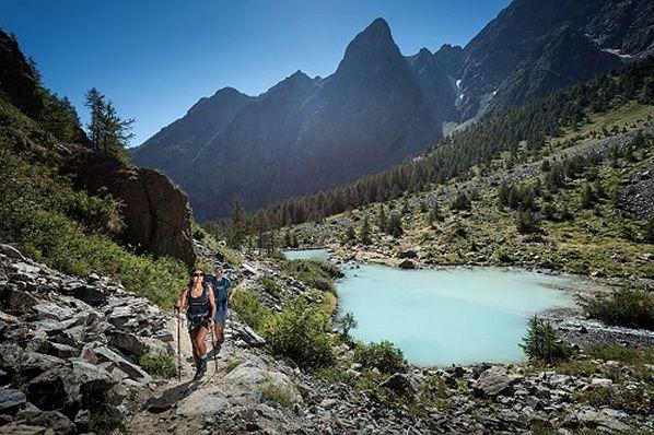 Tour du Combeynot est un itinéraire accès facile vallées Romanche  Guisane d Hautes-Alpes et col d'Arsine Lautaret, sommets des Ecrins