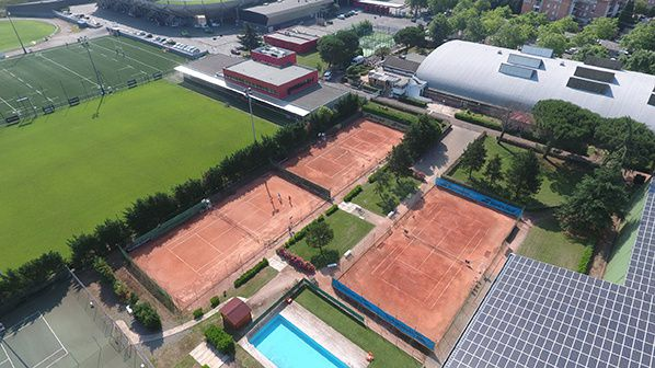 installations stade toulousain tennis club padel piscine sport bar restaurant
