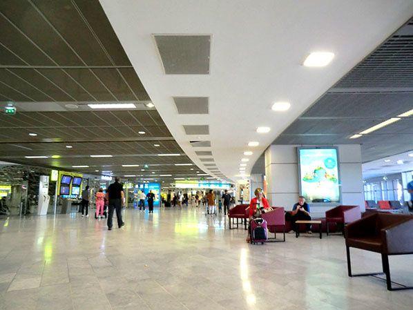 terminal aeroport lyon satolas saint exupery