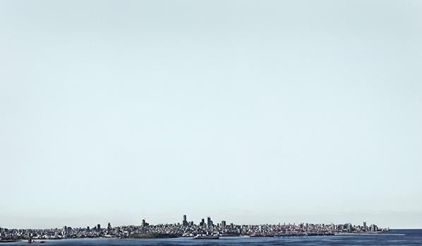 © Joe Kesrouani, Beirut Warship, Jet d'encre pigmentaire Ultrachrome K3 sur llford Galerie Gold Fiber Silk baryté, 122cmx172cm, Ed N°1/5+ 2EA, 2016