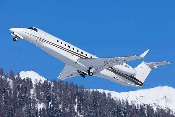 Embraer EMB 135BJ Legacy 600 privatefly