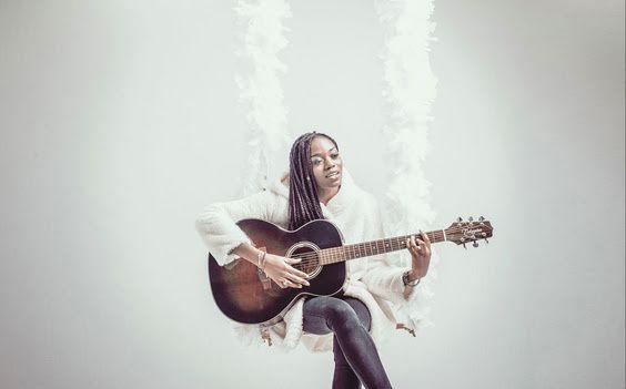 meylo chanteuse compositeur
