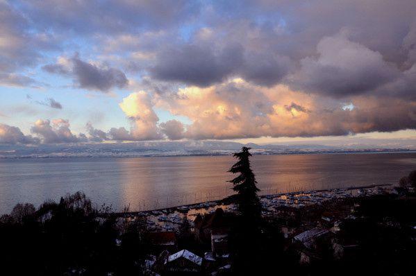 ciel couleur lac leman suisse thonon