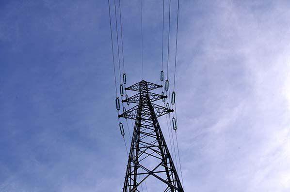 pylone ligne haute tension elctricite