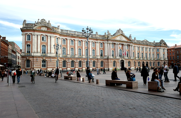 article toulouse capitole