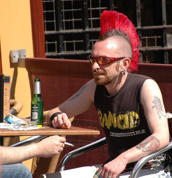bernieshoot punk cheveux rouge