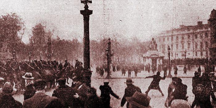Manifestation d'extrême droite, place de la Concorde à Paris, le 7 février 1934
