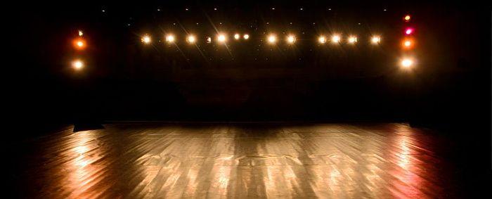 ... Ma scène, alors, est un écrit, / Si j'existe, en cette pulsion, / Qu'ai-je donc hors de moi décrit ...