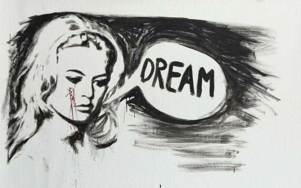 Vente aux enchères caritative à la maison Rossini au profit de la Fondation Brigitte Bardot.