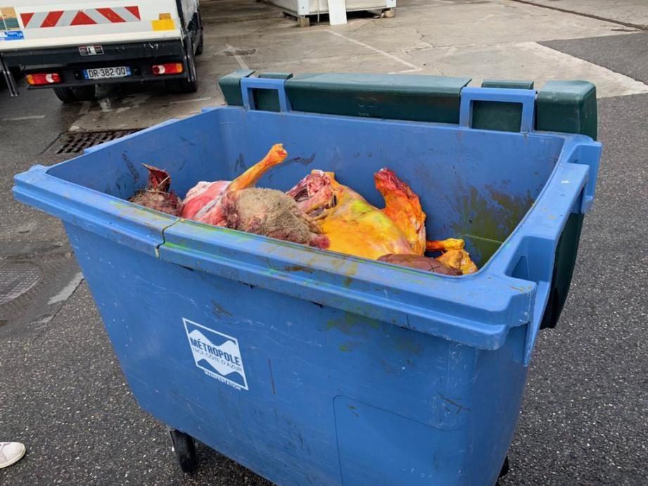 Près d'une tonne de viande saisie dimanche sur le parking de l'ex-Sonacotra.